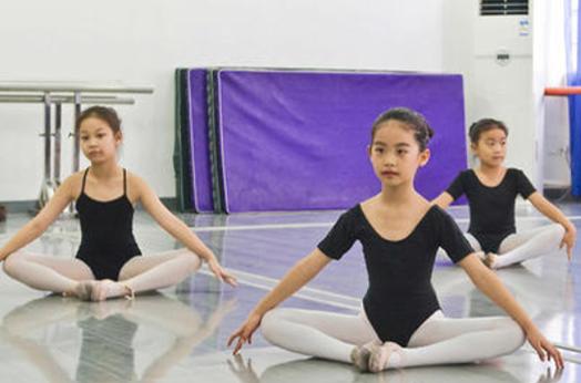 舞蹈培训班加盟费用高不高?加盟前景如何呢?